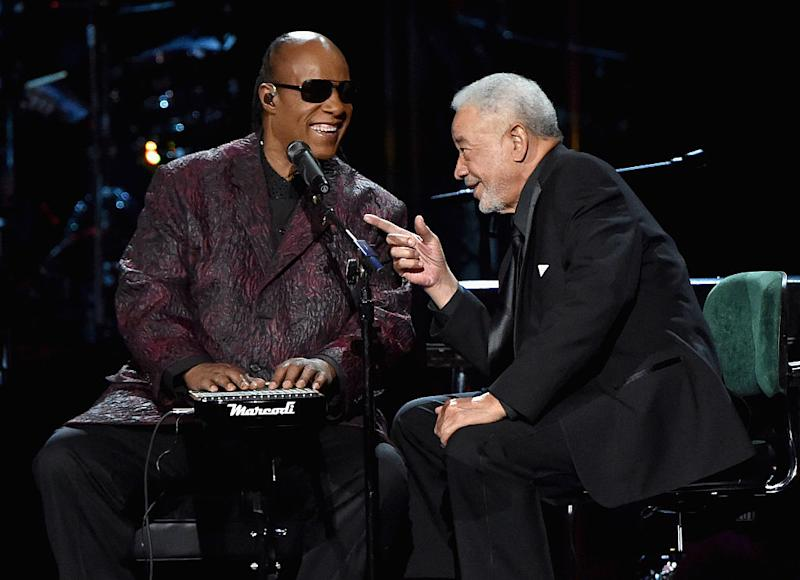 Stevie Wonder and Bill Withers perform onstage during the 30th Annual Rock And Roll Hall Of Fame Induction Ceremony at Public Hall on April 18, 2015 in Cleveland, Ohio. (Photo by Mike Coppola/Getty Images)