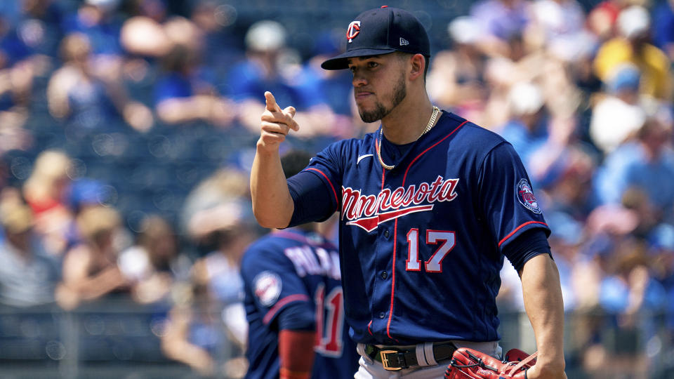 KANSAS CITY, MO - JUNE 05: Jose Berrios #17 of the Minnesota Twins prepares to pitch against the Kansas City Royals in the first inning at Kauffman Stadium on June 5, 2021 in Kansas City, Missouri. (Photo by Kyle Rivas/Getty Images)