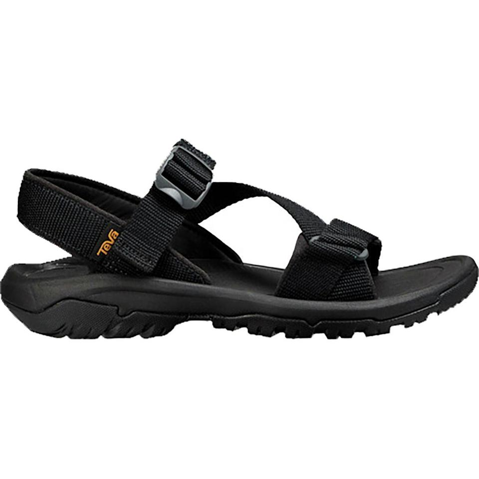 """<p><strong>Teva</strong></p><p>backcountry.com</p><p><strong>$69.95</strong></p><p><a href=""""https://go.redirectingat.com?id=74968X1596630&url=https%3A%2F%2Fwww.backcountry.com%2Fteva-hurricane-xlt2-cross-strap-sandal-mens&sref=https%3A%2F%2Fwww.menshealth.com%2Fstyle%2Fg33011338%2Fbest-mens-shoes-standing-all-day%2F"""" rel=""""nofollow noopener"""" target=""""_blank"""" data-ylk=""""slk:BUY IT HERE"""" class=""""link rapid-noclick-resp"""">BUY IT HERE</a></p><p>A great option for summer adventures in nature, Teva's supportive sandals are perfect for outdoor enthusiasts and are great for walking along the beach. </p>"""