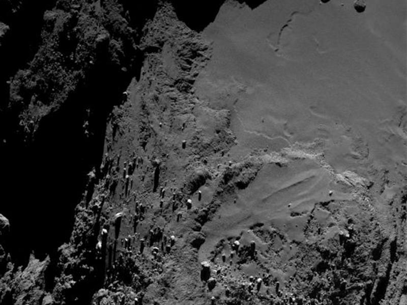 The surface of Comet 67P - Rosetta is able to detect chemicals in the comet's atmosphere: Reuters