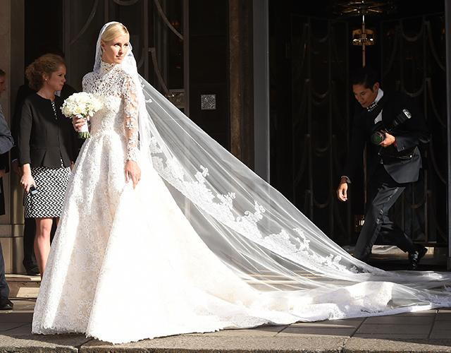 Nicky hilton 39 s valentino wedding dress is absolutely stunning for Wedding dress in paris