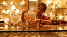 India gold discounts at 5-month high; buying picks up in China, Singapore