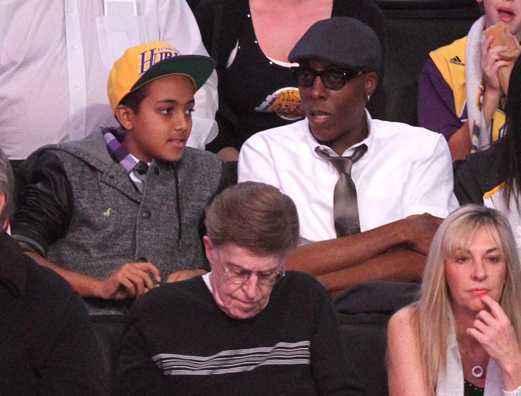 Talk Show Host and comedian Arsenio Hall attends the Los Angeles Lakers Vs The New York Knicks Basketball Game at the Staples Center in Los Angeles, CA.