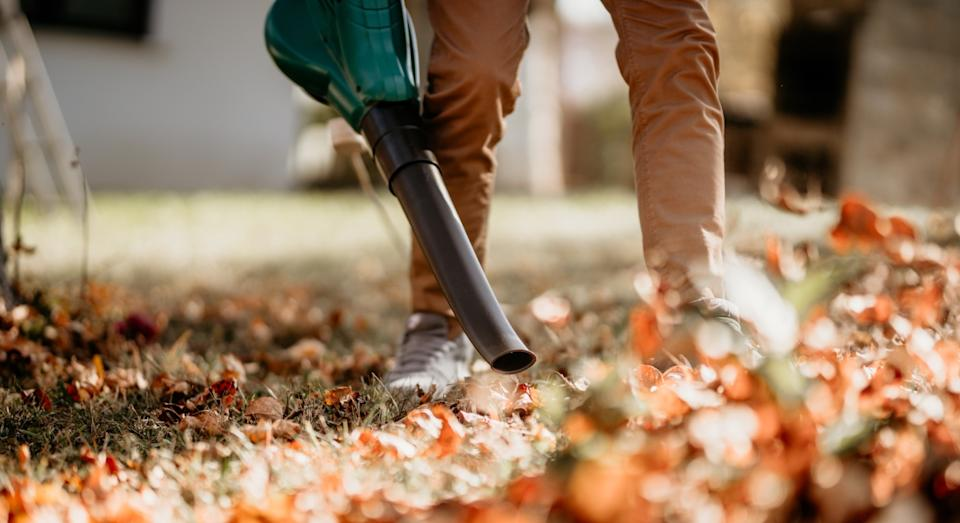 Amazon's best-selling 3-in-1 leaf blower is amazing value for money. (Getty)