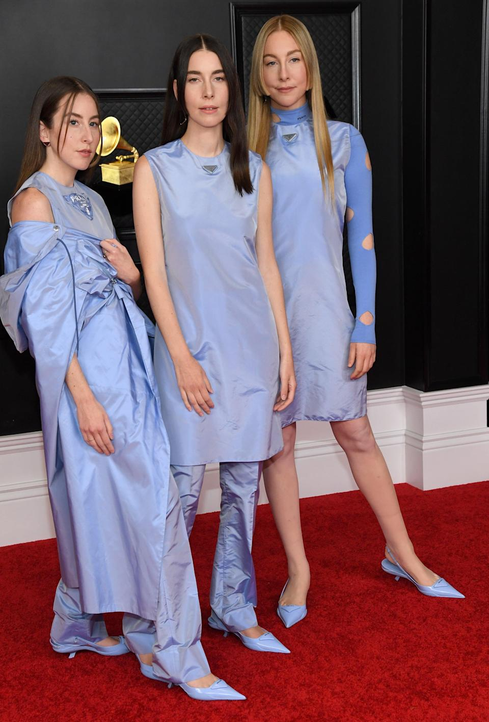 """<h2>HAIM in Prada</h2><br>One lavender Prada look on the Grammys red carpet is enough to get us excited. <em>Three</em> lavender Prada looks on the Grammys red carpet — especially when they're worn by the sisters HAIM — are almost more than we can handle. <span class=""""copyright"""">Photo: Kevin Mazur/Getty Images.</span>"""