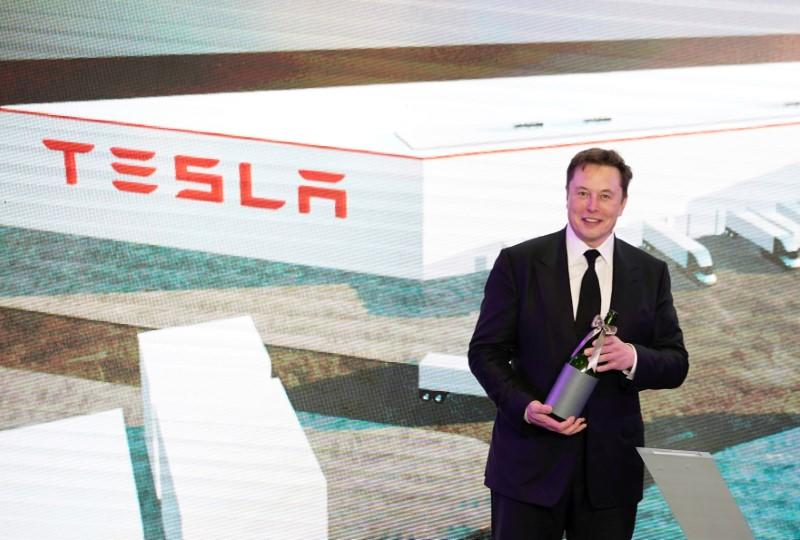 Tesla CEO says bought ventilators in China for U.S.