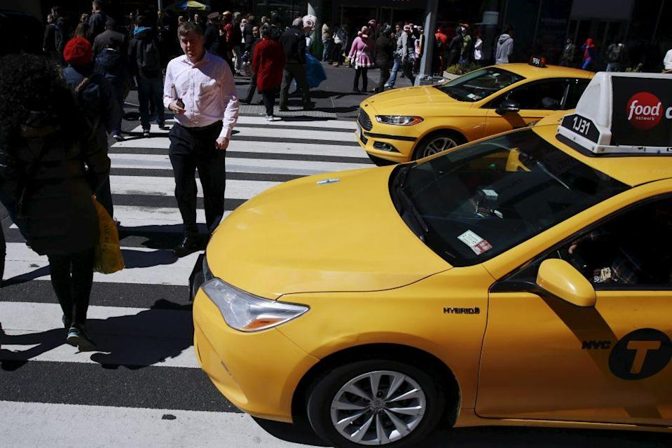 Image of an iconic New York yellow cab.