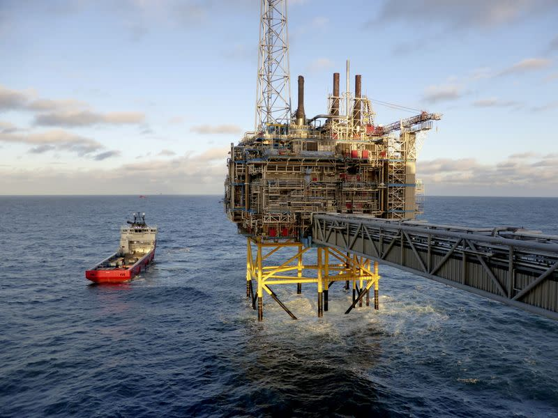 FILE PHOTO: Oil and gas company Statoil's gas processing and CO2 removal platform Sleipner T is pictured offshore near Stavanger, Norway
