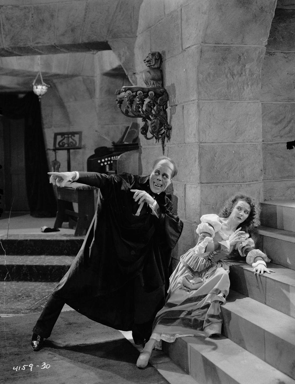 <p>An iconic version of <em>The Phantom Of The Opera</em> hit the silver screen, starring Mary Philbon as Christine Daae. Mary was the No.1 name for girls all through the 1920s – and the actress only made it more popular. That year, Betty dethroned Helen to take the No. 3 spot, while Dorothy held steady. Boys' picks were still Robert, John, and William.</p>