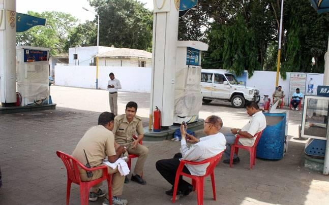 Uttar Pradesh STF registers 7 FIRs, arrests 23 people in petrol pump cheating case