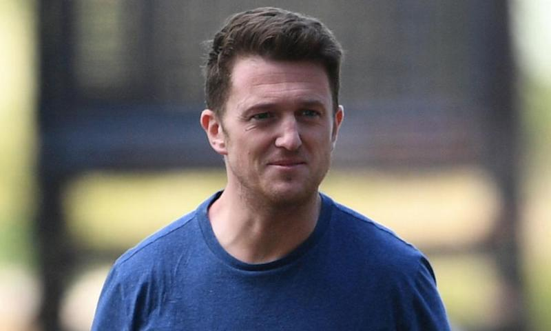 Tommy Robinson will be retried on a contempt of court charge.