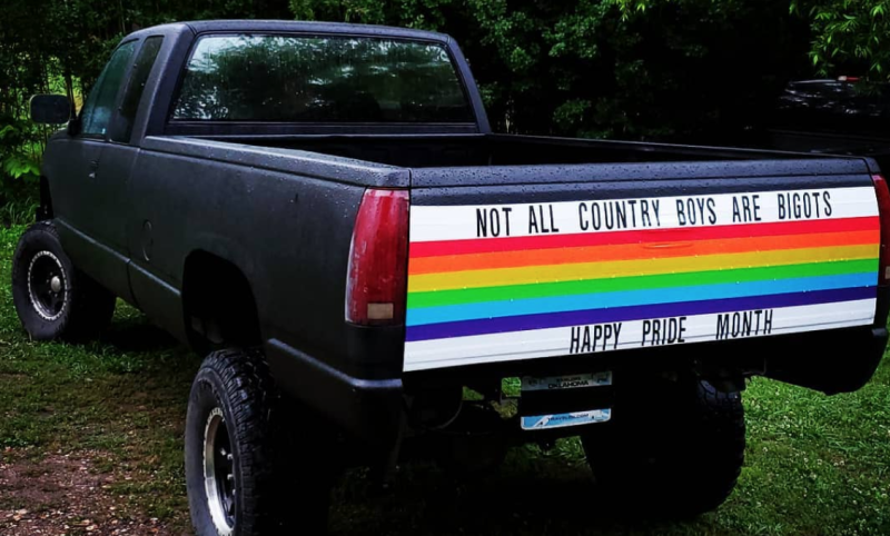 A man in rural Oklahoma decked out the tailgate of his pickup truck in honor of pride month. (Photo: Facebook)