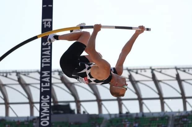 American pole vaulter Sam Kendricks, shown during a vault in June,was pulled from competition on Thursday after a positive coronavirus test result. (Getty Patrick Smith/Getty Images - image credit)