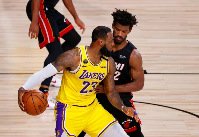James, Davis put Lakers on brink as Miami downed