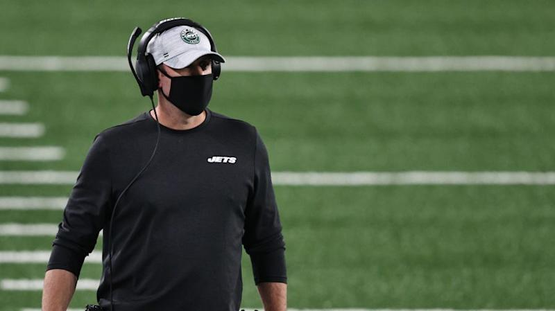 Adam Gase remains the Jets coach