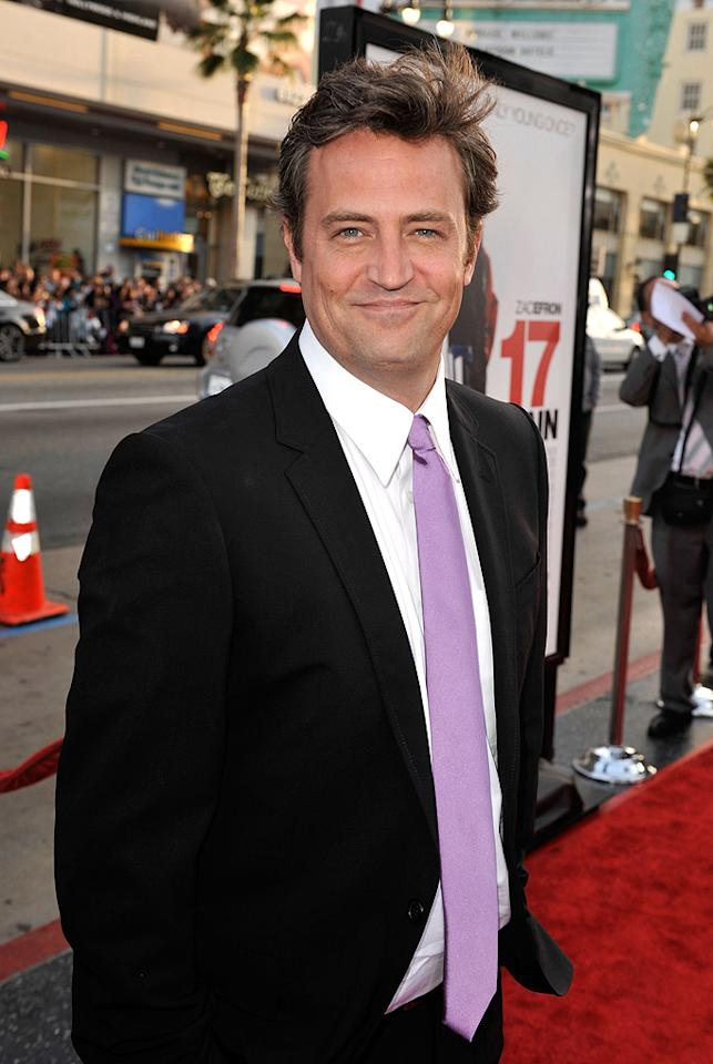 """<a href=""""http://movies.yahoo.com/movie/contributor/1800018621"""">Matthew Perry</a> at the Los Angeles premiere of <a href=""""http://movies.yahoo.com/movie/1810038675/info"""">17 Again</a> - 04/14/2009"""