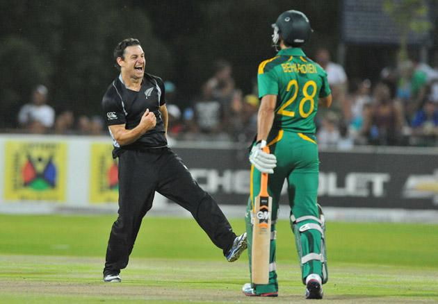 Nathan McCullum of New Zealand celebrates the wicket of David Miller of South Africa for 14 runs during the 2nd One Day International match between South Africa and New Zealand at De Beers Diamond Oval on January 22, 2013 in Kimberley, South Africa.(Photo by Duif du Toit/Gallo Images/Getty Images)