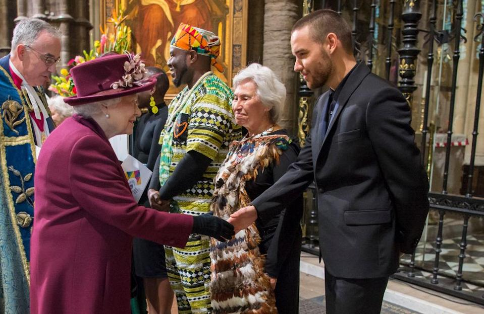 <span>Whaea Esther Jessop stands to the left of the singer Liam Payne, of One Direction, as the Queen welcomes her guests to Westminster Abbey. </span>(Photo: Getty Images)