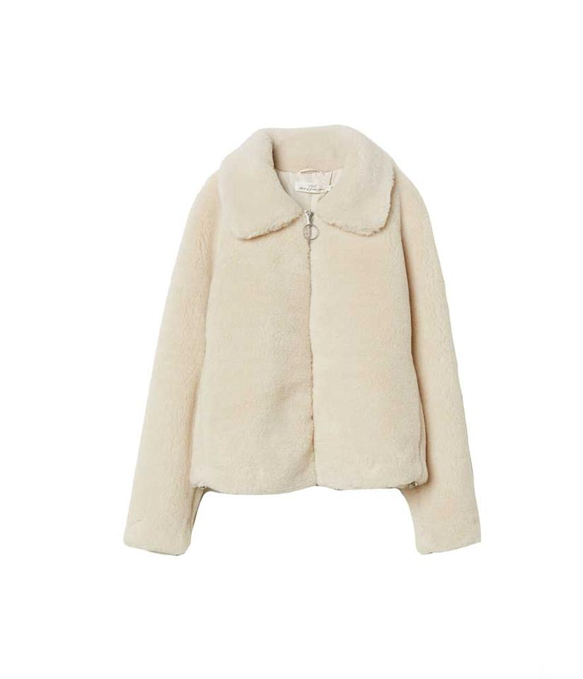 "<p>Short Pile Jacket, $70, <a rel=""nofollow"" href=""https://www2.hm.com/en_us/productpage.0609511001.html"">hm.com</a> </p>"