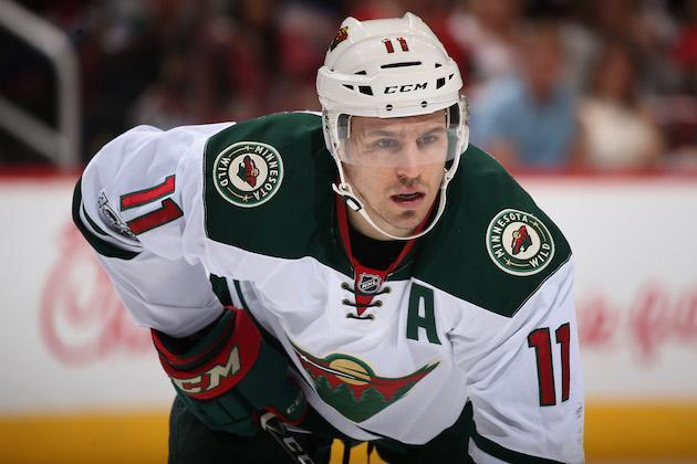 "GLENDALE, AZ – APRIL 08: <a class=""link rapid-noclick-resp"" href=""/nhl/players/3355/"" data-ylk=""slk:Zach Parise"">Zach Parise</a> #11 of the <a class=""link rapid-noclick-resp"" href=""/nhl/teams/min/"" data-ylk=""slk:Minnesota Wild"">Minnesota Wild</a> leans in during a face off against the <a class=""link rapid-noclick-resp"" href=""/nhl/teams/ari/"" data-ylk=""slk:Arizona Coyotes"">Arizona Coyotes</a> at the NHL game at Gila River Arena on April 8, 2017 in Glendale, Arizona. The Wild defeated the Coyotes 3-1. (Photo by Christian Petersen/Getty Images)"