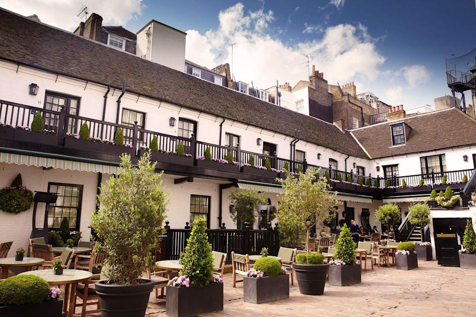 <p>The iconic bar will be re-opening its doors on a cute cobbled terrace in London's Mayfair.</p>