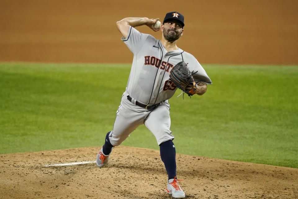 Houston Astros relief pitcher Brandon Bielak throws in the second inning of a baseball game against the Texas Rangers in Arlington, Texas, Wednesday, Sept. 15, 2021. (AP Photo/Tony Gutierrez)