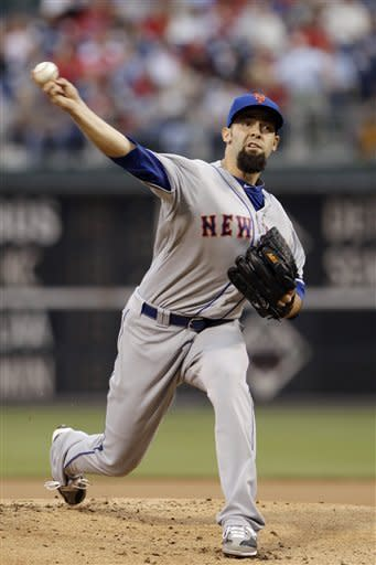 New York Mets' Dillon Gee pitches in the first inning of a baseball game against the Philadelphia Phillies, Wednesday, May 9, 2012, in Philadelphia. (AP Photo/Matt Slocum)