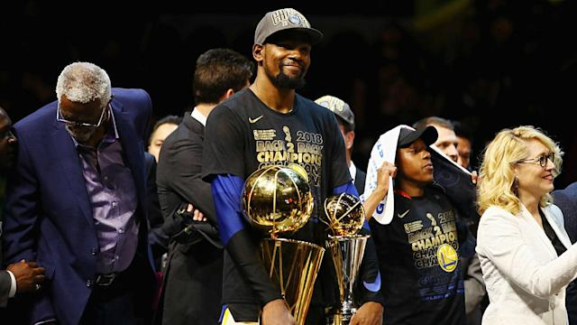 Kevin Durant is 2-for-2 in winning NBA Finals MVP trophies, and Warriors coach Steve Kerr doubts that's a problem for Stephen Curry.