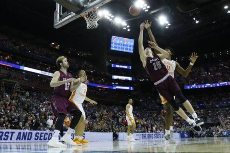 Mar 22, 2019; Columbus, OH, USA; Tennessee Volunteers forward Derrick Walker (15) shoots the ball in the second half against the Tennessee Volunteers in the first round of the 2019 NCAA Tournament at Nationwide Arena. Mandatory Credit: Rick Osentoski-USA TODAY Sports