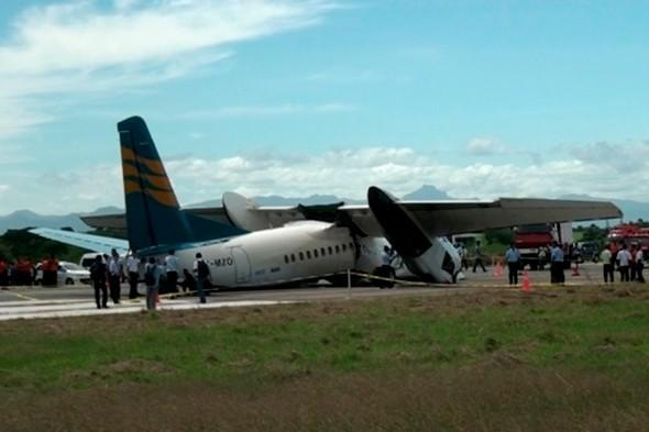 Engines smashed as plane crash lands in Indonesia