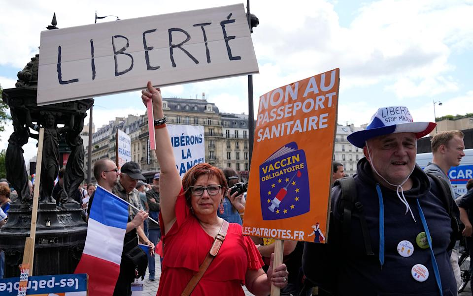 France Virus Outbreak Protests (Copyright 2021 The Associated Press. All rights reserved)