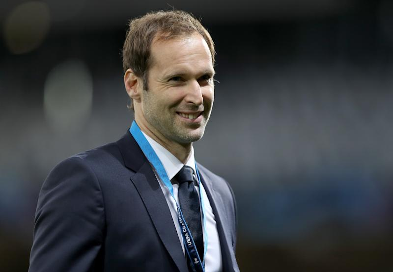 LILLE, FRANCE - OCTOBER 02: Chelsea technical and performance advisor Petr Cech inspects the pitch prior to the UEFA Champions League group H match between Lille OSC and Chelsea FC at Stade Pierre Mauroy on October 02, 2019 in Lille, France. (Photo by Naomi Baker/Getty Images)