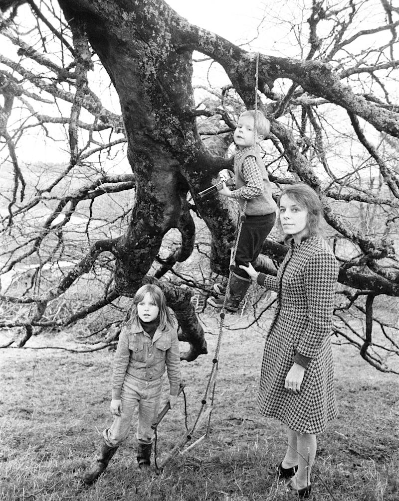 November 1974: Lady Lucan with children Lady Frances (10) and Lord Bingham - George (7) pictured on the grounds of secret hideaway in Cornwall - Credit: ALAMY