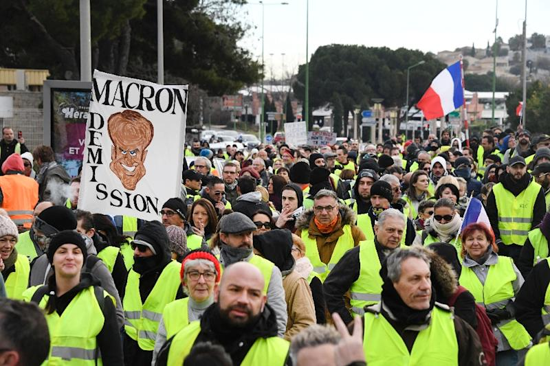 """The tenth straight protest is a test for Macron's """"grand national debate"""" (AFP Photo/Pascal GUYOT)"""