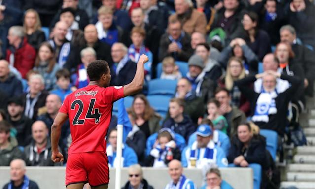 Steve Mounié capitalises on Brighton howler to rescue point for Huddersfield