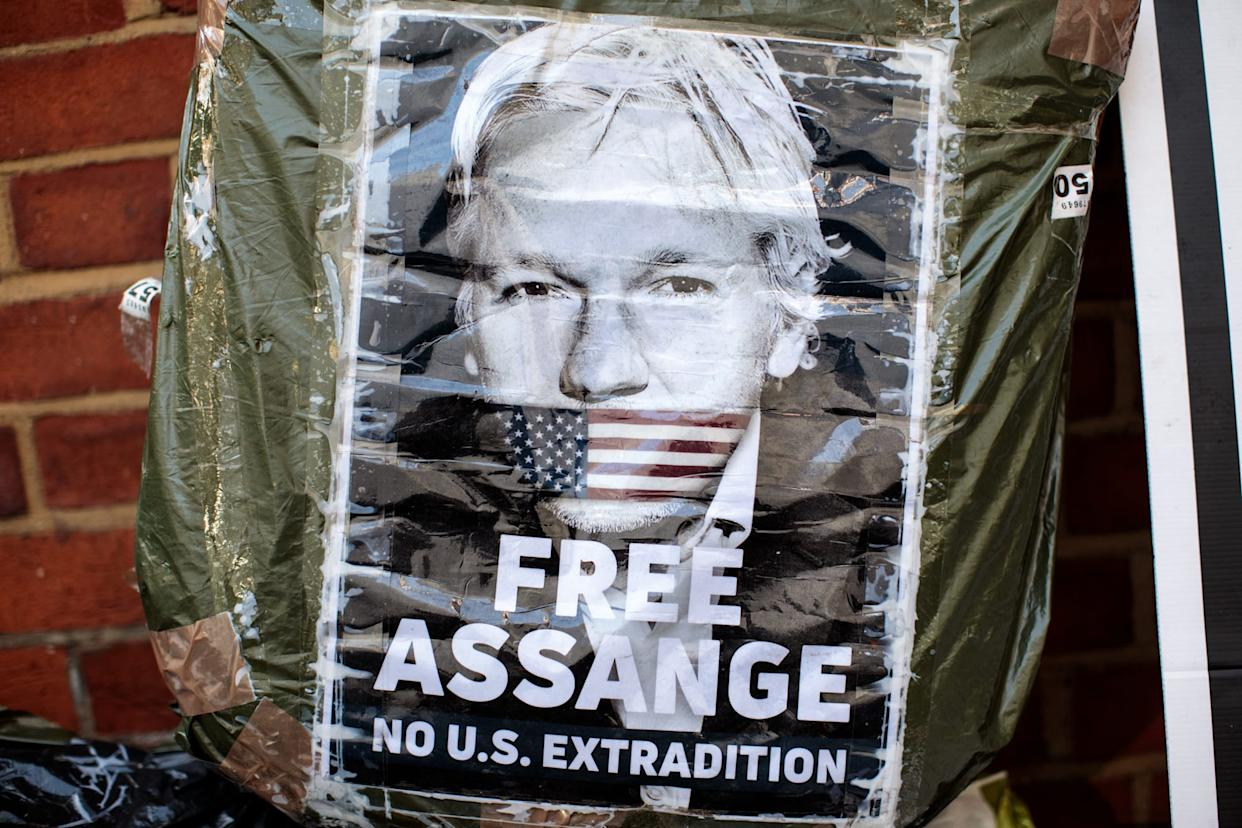Wikileaks Says Assange May Be Expelled From Embassy Within Days