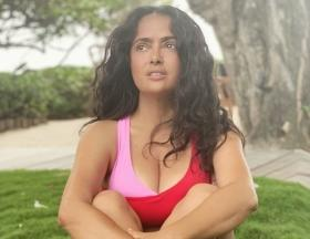 Salma Hayek posts a stunning bikini picture with the wrong caption