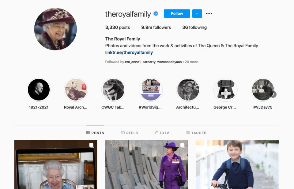 The Queen's new photo social media