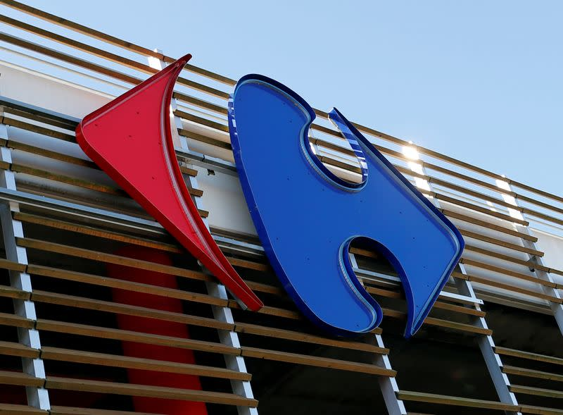 Carrefour mounts shields for French cashiers in coronavirus crisis