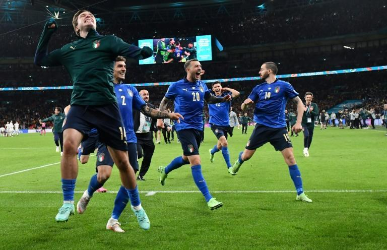 Italy celebrate after winning the Euro 2020 semi-final
