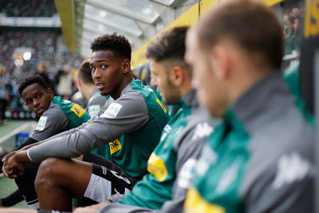 Borussia Monchengladbach fearing 'bigger offer' could scarper deal for West Ham's Reece Oxford