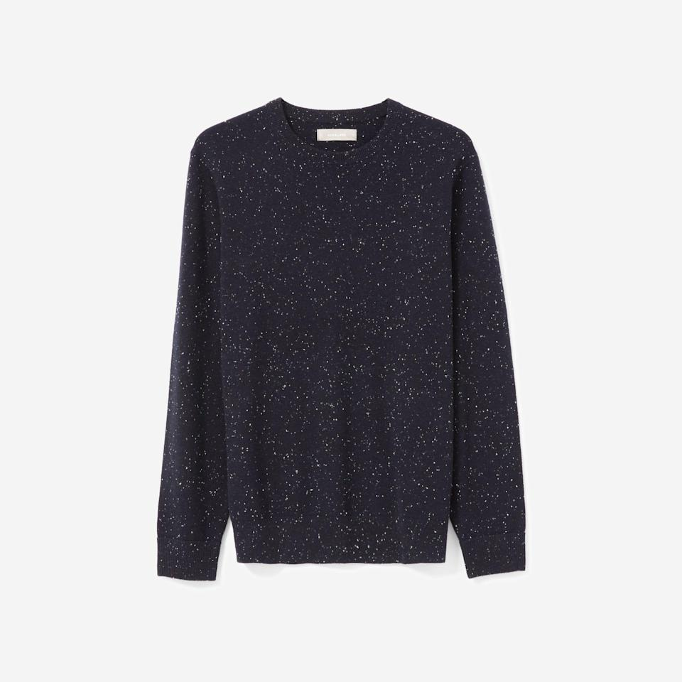 "<p><strong>everlane</strong></p><p>everlane.com</p><p><strong>$130.00</strong></p><p><a href=""https://go.redirectingat.com?id=74968X1596630&url=https%3A%2F%2Fwww.everlane.com%2Fproducts%2Fmens-cashmere-cr-navy-donegal&sref=https%3A%2F%2Fwww.esquire.com%2Fstyle%2Fmens-fashion%2Fg35086246%2Feverlane-end-of-year-sale-2020%2F"" rel=""nofollow noopener"" target=""_blank"" data-ylk=""slk:Shop Now"" class=""link rapid-noclick-resp"">Shop Now</a></p>"