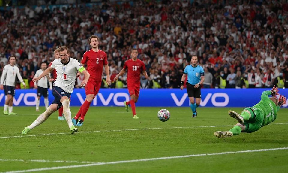 Harry Kane scores from the rebound for the winner in extra time after seeing his penalty saved by Kasper Schmeichel.