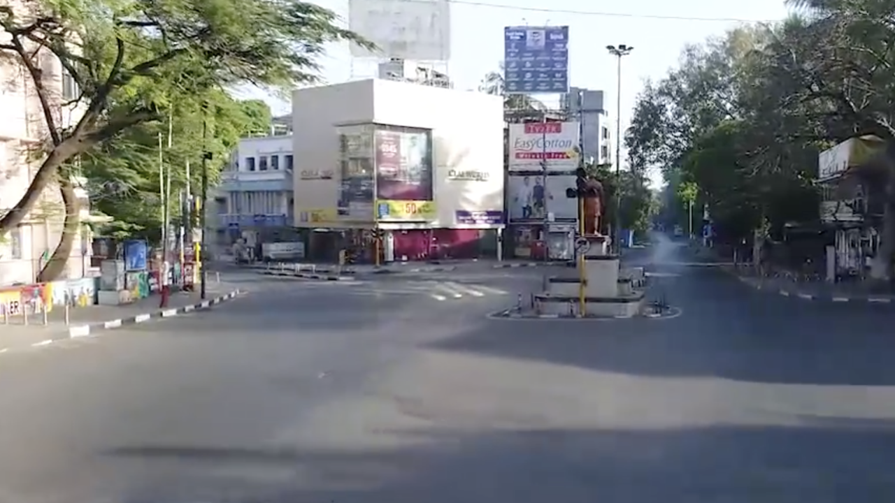 india u0026 39 s nationwide curfew brings empty streets  view in