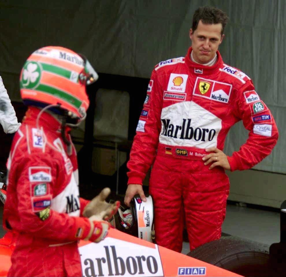 SUZUKA, JAPAN - OCTOBER 31:  GP VON JAPAN 1999 in SUZUKA, Rennen; Eddie IRVINE/NIR, Michael SCHUMACHER/GER - Ferrari -  (Photo by Andreas Rentz/Bongarts/Getty Images)