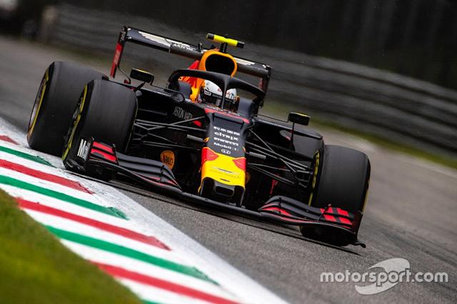 """Alex Albon, Red Bull Racing RB15 <span class=""""copyright"""">Alessio Morgese / Luca Rossini</span>"""