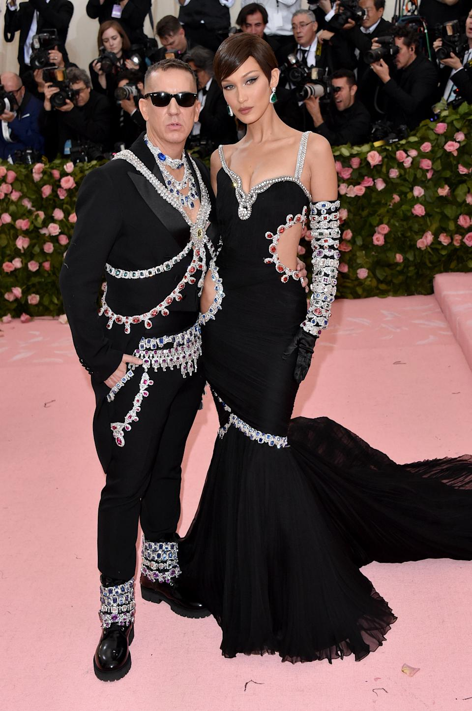 """<h1 class=""""title"""">Bella Hadid in Moschino by Jeremy Scott wearing Lorraine Schwartz jewelry and Jeremy Scott</h1><cite class=""""credit"""">Photo: Getty Images</cite>"""