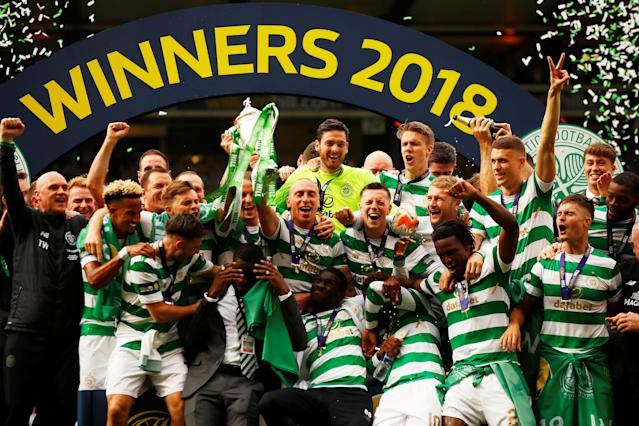 Soccer Football - Scottish Cup Final - Celtic vs Motherwell - Hampden Park, Glasgow, Britain - May 19, 2018 Celtic players celebrate with the trophy after winning the Scottish Cup Action Images via Reuters/Jason Cairnduff