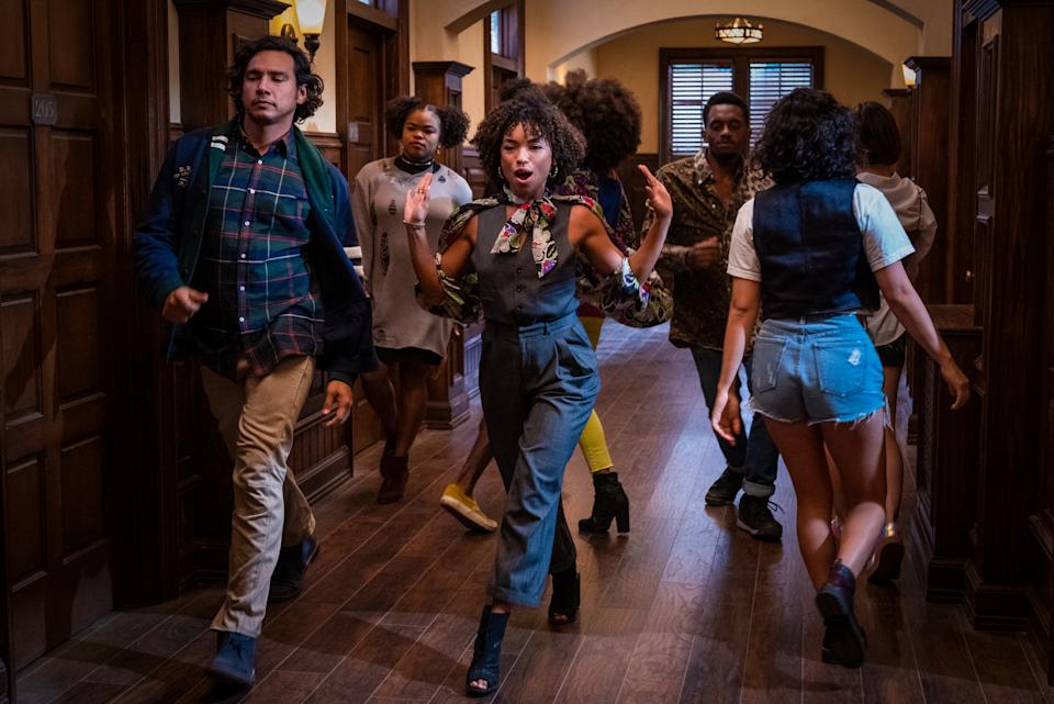 DEAR WHITE PEOPLE (L to R) LOGAN BROWNING as SAMANTHA WHITE in episode 401 of DEAR WHITE PEOPLE Cr. LARA SOLANKI/NETFLIX © 2021