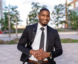 Technical advisor, turned author and entrepreneur Antoine Cureton launches SolidRatio LLC and published new easy guide to investing for novice stockholders-to help them get back on their feet.